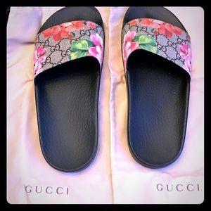 Gucci Supreme St. Blooms Place Slide Sandals